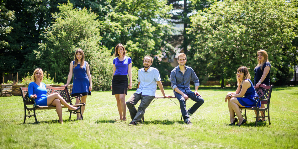 Photo d'équipe dans un parc